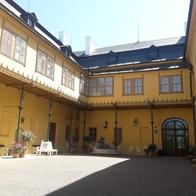 Slatiňany, zámek
