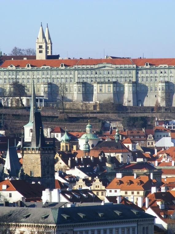 Pražský hrad, Ústav šlechtičen s kaplí Nanebevzetí Panny Marie